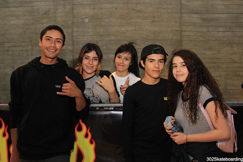 Toño Díaz, Jenni Muñoz, Mauricio Aguirre y amigas